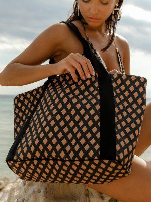 S21-SP06-rhombus-print-beach-bag-dolce-domenica